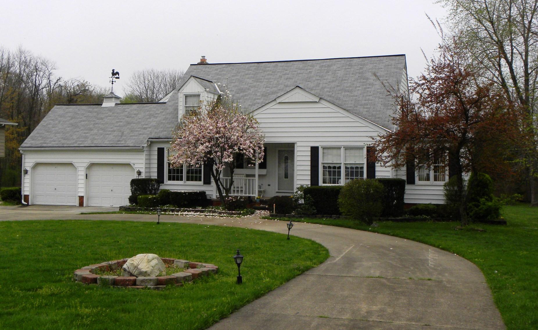 10600 Hickory Hill, Kirtland, OH 44094
